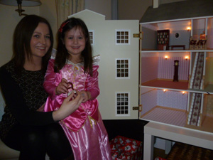 Catherine and Niamh with Niamh wolfes new house