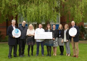 Target Lung Cancer Team with Cheque